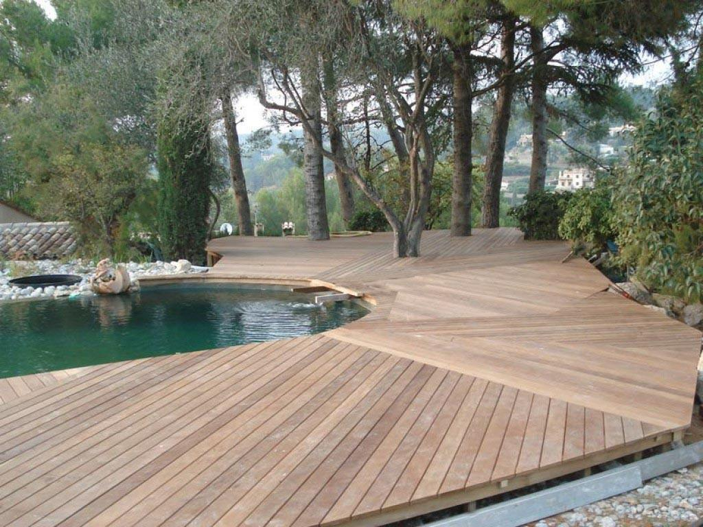 Diverses vues de la terrasse mouillée. Construction terrasse bois ...